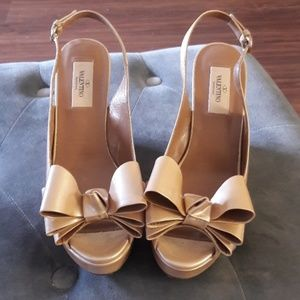 Valentino wedge size 37 1/2.